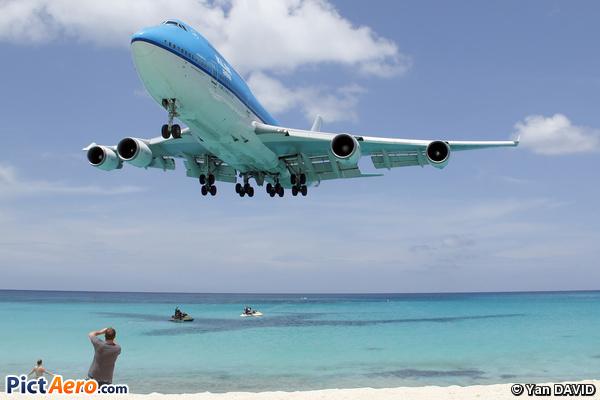 Boeing 747-406M (KLM Asia)