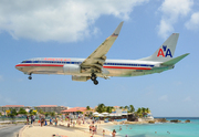 Boeing 737-823 (N834NN)