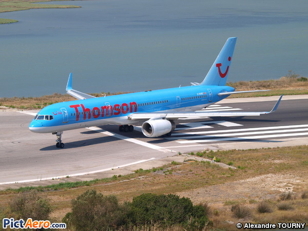 Boeing 757-28A (Thomsonfly)