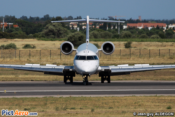 Canadair CL-600-2E25 Regional Jet CRJ-1000 (HOP!)