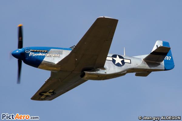 North American P-51D Mustang (AKARY Frédéric)