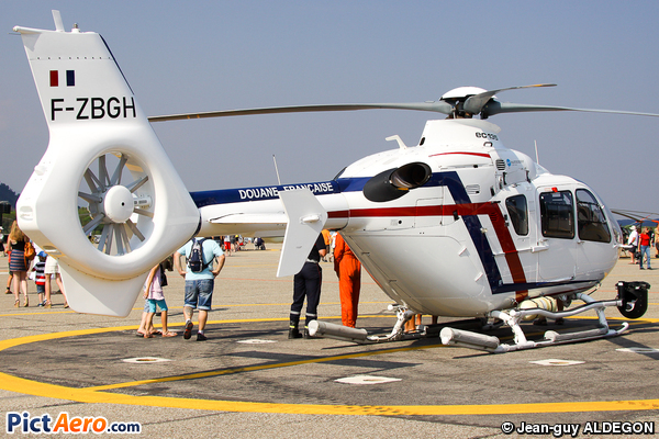Eurocopter EC-135-T2+ (France - Douane)