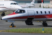 Learjet 25B (N102VS)