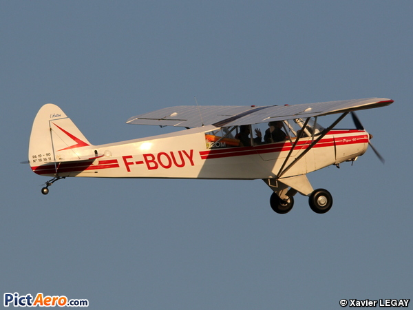 Piper PA-19 Super Cub (privé)