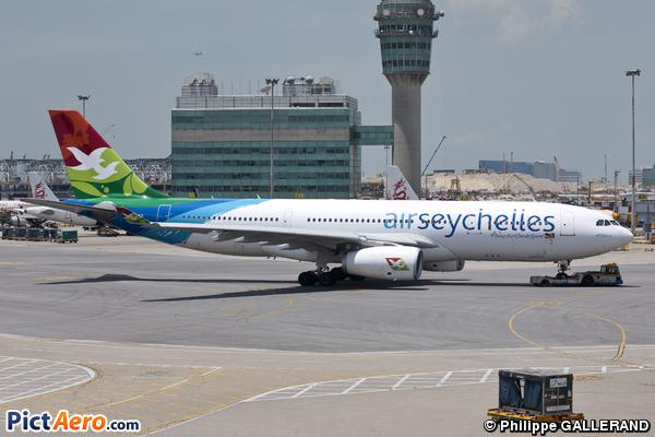 Airbus A330-243 (Air Seychelles)