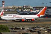 Boeing 747-4H6 (VT-AIS)