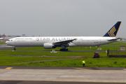 Boeing 777-312 (9V-SYE)