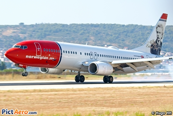 Boeing 737-8FZ (Norwegian Air Shuttle)