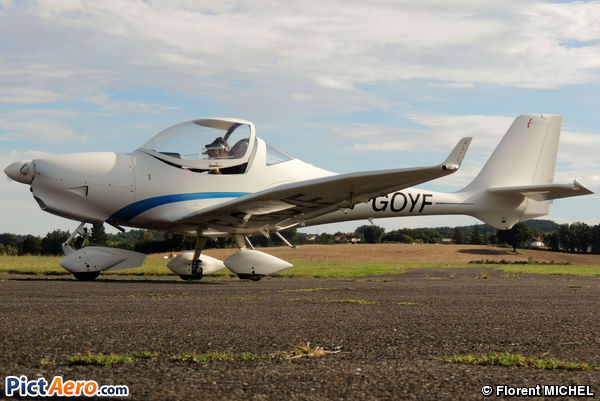 Aquila AT-01 (Privé)