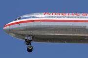 Boeing 767-223/ER (N319AA)