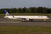 Boeing 757-33N (N75861)