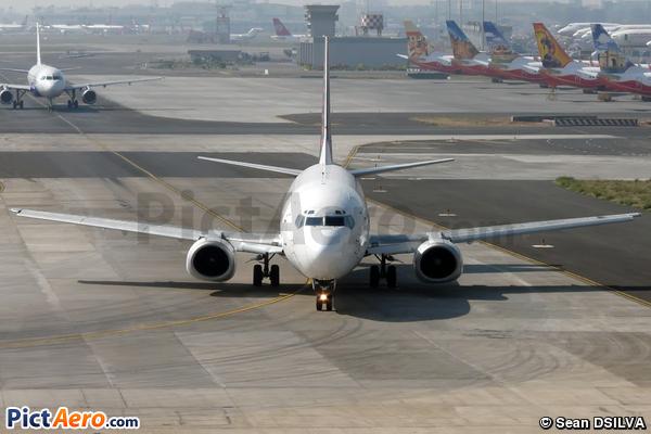 Boeing 737-382 (Air Sahara)