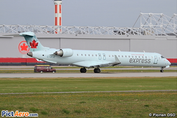 Canadair CL-600-2D15 Regional Jet CRJ-705ER (JAZZ Aviation LP)