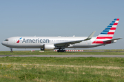 Boeing 767-323/ER (N-382AN)