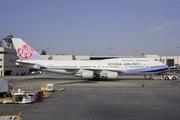 Boeing 747-409 (B-18210)
