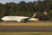 Boeing 767-34AF/ER (N346UP)