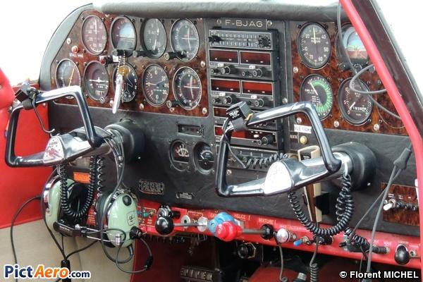 Piper PA-24-250 Comanche (Privé)