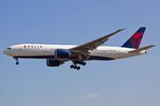 Boeing 777-232/LR (N706DN)