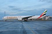 Boeing 777-31H (A6-EMW)
