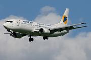 Boeing 737-448 (UR-VVM)