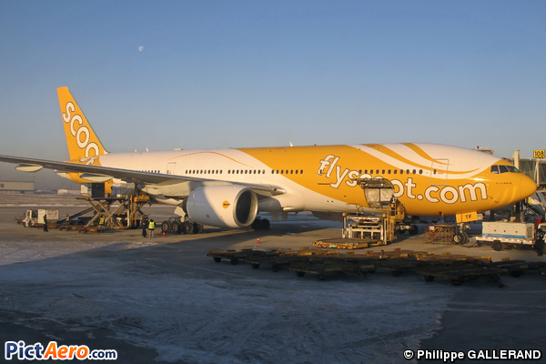 Boeing 777-212/ER (Scoot Airways)