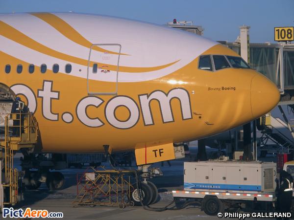 Boeing 777-212/ER (Scoot Airways)