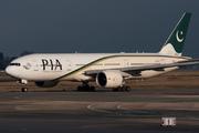 Boeing 777-240/ER (AP-BGJ)