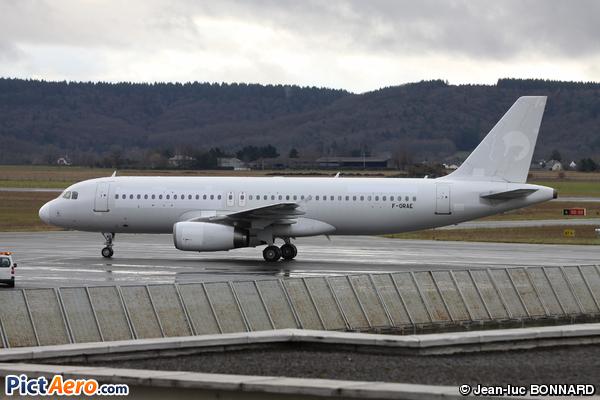 Airbus A320-233 (Belle Air)