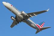 Boeing 737-823/WL (N943NN)