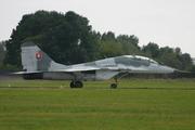 MiG-29UB (9-51)