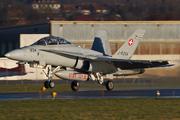 McDonnell Douglas F/A-18D Hornet (J-5234)