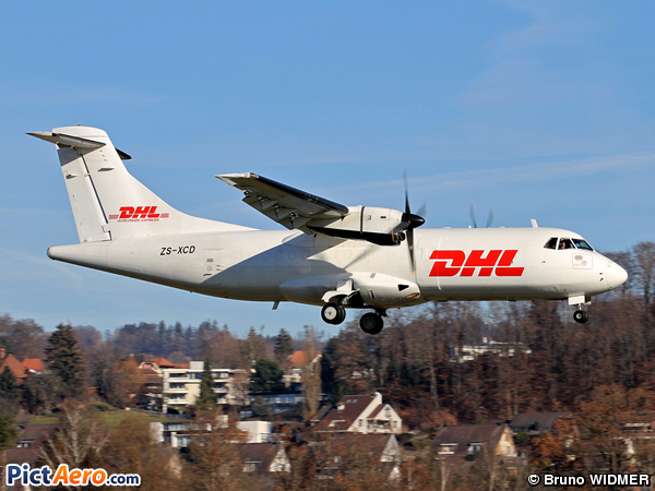 ATR 42-300F (Solenta Aviation (DHL))