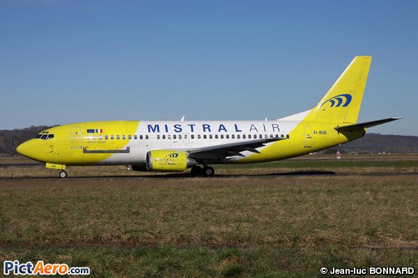 Boeing 737-348/QC (Mistral Air)