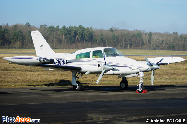 Cessna 310Q (Southern Aircraft Consultancy)