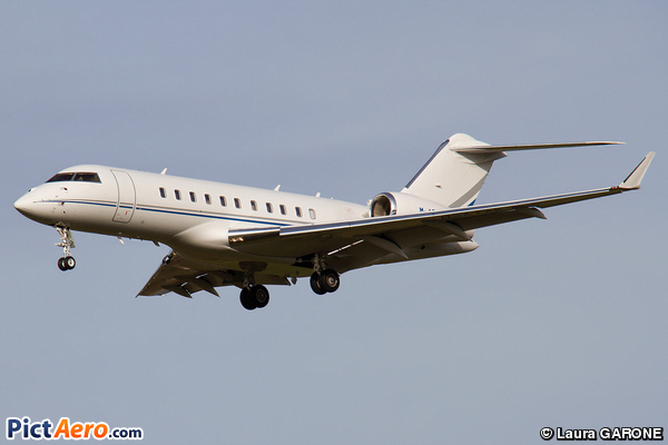 Bombardier BD-700-1A10 Global Express (Untitle / Private)