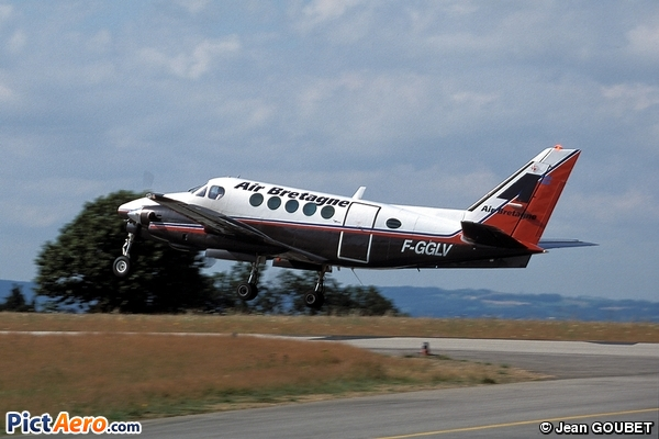 Beechcraft A100 King Air (Air Bretagne)