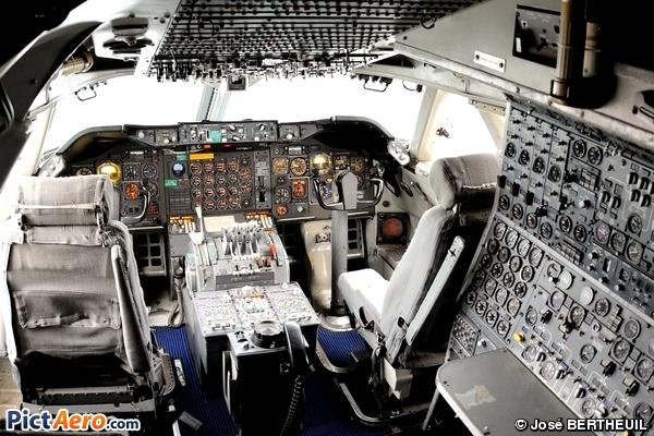 Boeing 747-128 (Air France)
