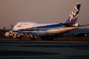 Boeing 747-481 (JA8098)