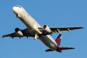 Airbus A321-231 (N570TA)