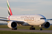 Boeing 777-21H/LR (A6-EWG)