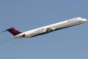 McDonnell Douglas MD-88 (DC-9-88) (N907DL)
