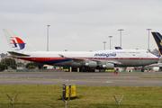 Boeing 747-4H6 (9M-MPL)
