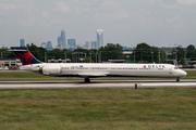 McDonnell Douglas MD-90-30 (N902DA)