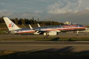 Boeing 757-223(WL) (N658AA)