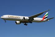 Boeing 777-31H (A6-EGB)