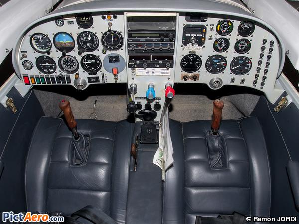 Lancair LC-320 (Privat)