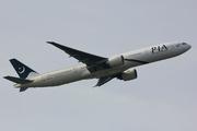 Boeing 777-340/ER (AP-BHW)