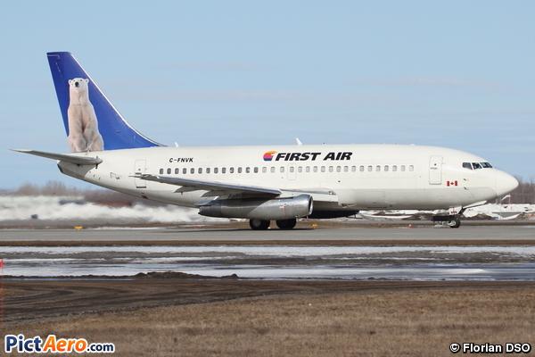 Boeing 737-2R4C(A) (First Air)