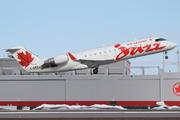 Canadair CL-600-2B19 Regional Jet CRJ-200ER (C-GKEJ)