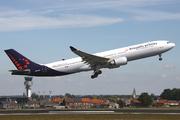 Airbus A330-301 (OO-SFN)